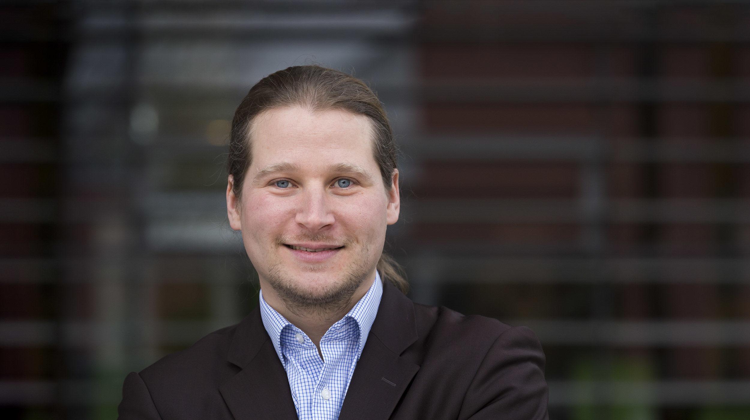 Portrait von Coach und Berater Tobias Ziegler